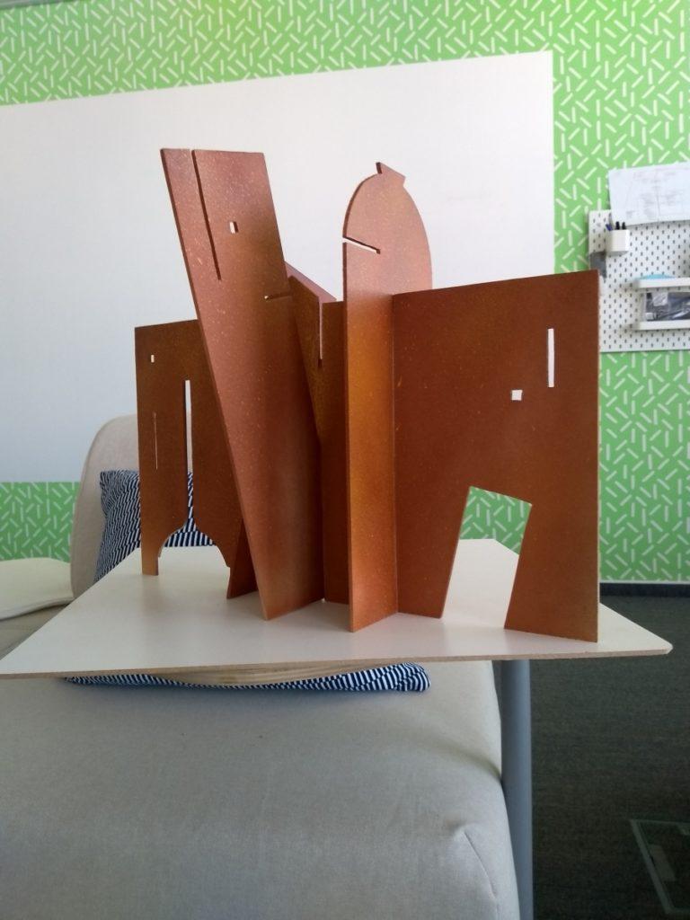 Autori : Martin Iman a Juraj Čutek / MODEL sochy STEIN Bratislava 2019